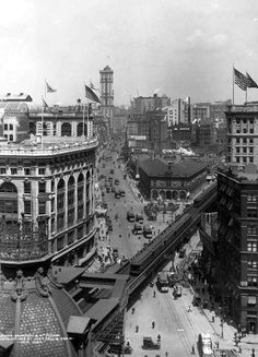 1909 Herald Square, looking north up Broadway toward the Times Tower. NYC