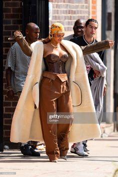 Rihanna Street Style, Mode Rihanna, Rihanna Riri, Stylish Outfits, Fall Outfits, Fashion Outfits, Looks Rihanna, Divas, Rihanna Outfits
