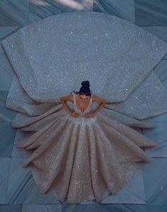 Queen Wedding Dress, Fancy Wedding Dresses, Pretty Quinceanera Dresses, Cute Prom Dresses, Princess Wedding Dresses, Ball Dresses, Pretty Dresses, Bridal Dresses, Gorgeous Wedding Dress