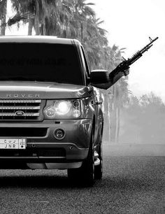 #Range#Rover#Tints#Love Range Rover Black, Range Rover Sport, Best Luxury Cars, Land Rover Discovery, Expensive Cars, Mans World, Car Wallpapers, Joker Wallpapers, Land Rover Defender