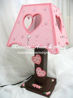 gorgeous for a little girl``s bedroom Cardboard Furniture, Kids Furniture, Diy Painting, Painting On Wood, Decorative Household Items, Diy Drum Shade, Wood Crafts, Diy Crafts, Kit Bebe
