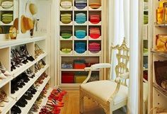 Walk In Closet Shoe Shelves - Design photos, ideas and inspiration. Amazing gallery of interior design and decorating ideas of Walk In Closet Shoe Shelves in closets by elite interior designers. Closet Walk-in, Master Closet, Closet Bedroom, Closet Space, Closet Ideas, Master Bedroom, Wardrobe Ideas, Modern Bedroom, Walk In Closet Design