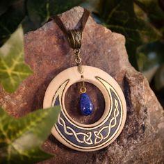 """Pendentif celtique fait-main, croissant de lune, lapis lazuli - """"Blue Moon"""""""