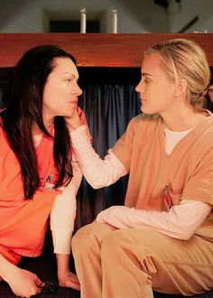 Laura Prepon and Taylor Shilling