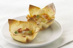 Won Ton Appetizer Bites A quick and easy appetizer that is full of flavour-you will keep coming back for more. Kraft Foods, Kraft Recipes, Quick And Easy Appetizers, Appetizers For Party, Appetizer Dishes, Appetizer Recipes, Pate Won Ton, Chicken Spring Rolls, Buffet
