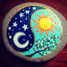 """25 Likes, 3 Comments - Your Garden Rocks (@yourgardenrocks) on Instagram: """"Yin and yang #rocks #rockpainting #paintedrocks #stonecanvas #gardenrocks #gardenart #yinyang…"""""""