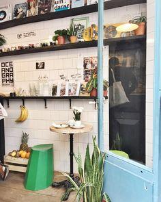 LE MARAIS | Fresh juice at Cordonnerie in Le Marais // #marais #cordonnerie #juice #fresh #style #paris #parisdesignweek #france #maisonetobjet #MO15 #green #travel #citytrip #travelblog #travelblogger #blogger #bloggerinparis
