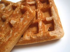 Best Waffle Batter    1 3/4 cups flour*  2 tablespoons sugar  1 tablespoon baking powder  2 eggs  1 3/4 cups milk  1/2 cup oil or melted butter  1 teaspoon vanilla