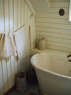 60 Farmhouse Small Bathroom Remodel and Decor Ideas 2018 Small bathroom ideas remodel Guest bathroom ideas Bathroom decor apartment Small bathroom ideas storage Half bathroom decor bathroom ideas for small bathrooms, small bathroom design ideas #Bathroom #remodel #Renovation #Apartments #On A Budget #Color Combos #Elegant #Half Baths #Inspiration #Dollar Stores #Rustic #DIY #White #Modern #Grey #SmallBathroom #Bathrooms #Tile #Tubs