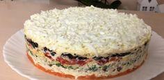 O salată în straturi deosebit de gustoasă, aspectuoasă și sățioasă! - Bucatarul Eat Pray Love, Food Staples, Food 52, Dip Recipes, Chutney, Vanilla Cake, Cheesecake, Food And Drink, Desserts