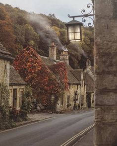 Idyllic English Country Villages Castle Combe in Autumn, Wiltsh. - Idyllic English Country Villages Castle Combe in Autumn, Wiltshire, Cotswolds - Castle Combe, English Village, Autumn Cozy, Autumn Fall, Autumn House, Autumn Nature, Autumn Leaves, English Countryside, Countryside Village