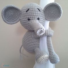 Monkey curtain tie back, cotton yarn crochet monkey, amigurumi. Crochet Toys Patterns, Amigurumi Patterns, Stuffed Toys Patterns, Crochet Hats, Elephant Curtains, Nursery Twins, Nursery Room, Nursery Ideas, Crochet Elephant