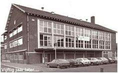 Zwembad catsplein. Bucharest, Dutch, Multi Story Building, Entertaining, Memories, Black And White, History, Fries, Travel