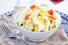 Ein richtiger Caesar Salad braucht das perfekte, würzige Dressing dazu. Eine Variante davon können Sie nach diesem Rezept zubereiten.