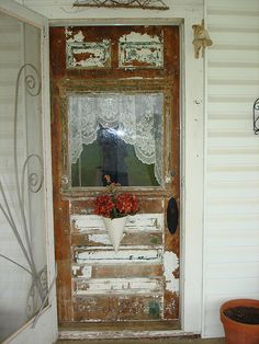 Shabby chic or ugly? It's partially stripped. Leave it shabby chic? Old Windows, Windows And Doors, Front Doors, Shabby Chic Kitchen, Shabby Chic Decor, Cottage Chic, Cottage Style, Estilo Shabby Chic, Vintage Doors