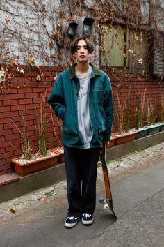 Dope Fashion, Fashion Pants, Mens Fashion, Fashion Outfits, Japan Fashion Casual, Mens Grunge Fashion, Moda Dope, Indie Outfits, Japanese Street Fashion