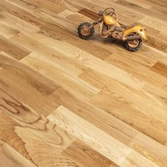 Finger Joint Solid Wood Flooring Oak Lacquered 1.638m2