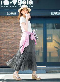 講談社 withオフィシャルサイト   軽やか素材のグレーマキシスカートで、大人な夏コーデ!