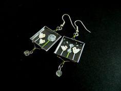 Unikatni stekleni uhančki/Unique glass earrings    Velikost/Size: 2x2 cm    Info: lintu.nakit@gmail.com