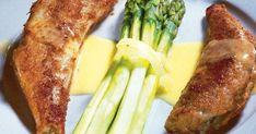 Kuori parsat ohuesti ja nosta ne odottamaan kevyesti sitruunamehulla maustettuun veteen.