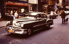 vintage everyday: 52 Amazing Color Photographs Documented Street Scenes of Downtown Manhattan in 1980