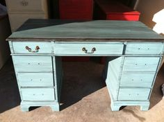Green~Painted 3 Leg Small Table | Lejeune Yard Sales Things I Want |  Pinterest | Small Tables And Tables