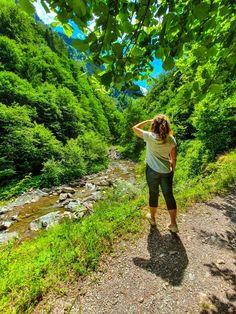 Cheile Tișiței (raiul vrâncean) - ghid de călătorie - Lipa Lipa Places To Go, Country Roads, Mountains, Nature, Travel, Instagram, Drum, Bucket, Moon