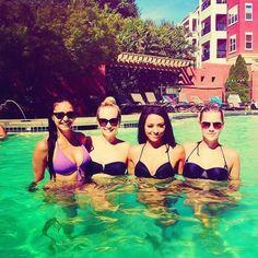#TVD The Vampire Diaries  Nina Dobrev(Elena),Candice Accola(Caroline),Kat Graham(Bonnie) & I don't know who that is..