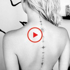 This is the tattoo that you see everywhere. Built in fetish tattoo by the stars, here is a compilation of the finest creations to inspire us . Before succumbing? Small Back Tattoos, Tattoos For Women Small, First Tattoo, Tattoo You, Tiny Tattoo, Nature Tattoos, Tattoo Designs For Women, Tattoo Models, Cool Tattoos