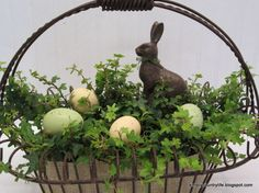 Rustic, Neutral Faux Chocolate Bunny Easter Centrepiece ~ cute just for spring without the bunny even. Spring Projects, Spring Crafts, Easter Projects, Holiday Crafts, Craft Projects, Easter Bunny, Easter Eggs, Happy Easter, Easter Tablecloth