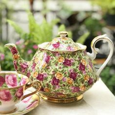 """Vintage Chintz Teapot by Royal Albert England """"Old Country Rose"""" series"""