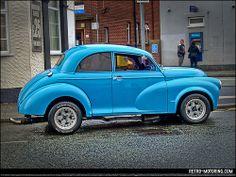 Retro-Motoring : Classic and Retro car enthusiasm ++ Morris automobilia and gift items for sale ++ Morris Minor, Blue Roof, Small Cars, Retro Cars, Hot Cars, Classic Cars, Automobile, Bike, Cool Stuff