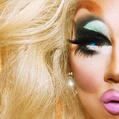 """Drag race tonight ! #teamplastic"", Trixie Mattel, RPDR 7."