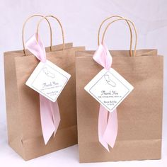 20 Pieces Personalized Wedding Welcome Paper Bag Ribbon and State City Tag, Custom Gift Bag Satin Ri – Wedding Gifts Wedding Guest Bags, Wedding Favors, Wedding Gifts, Bow Wedding, Custom Gift Bags, Customized Gifts, Birthday Rewards, Inexpensive Gift, Wedding Welcome