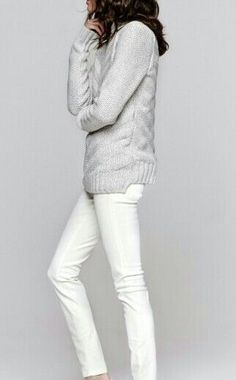 Fashion: New York City Style. Oversized grey sweater with white jeans.