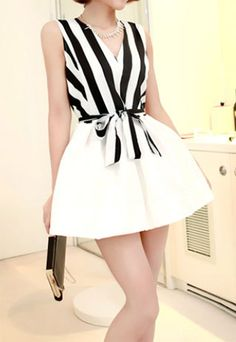 Image of  [grzxy6600042]Black & White Strip Print V-neckline Bowknot Bubble Dress