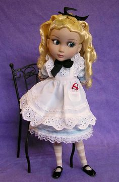 Wonderland Patience looks like she's up to something!