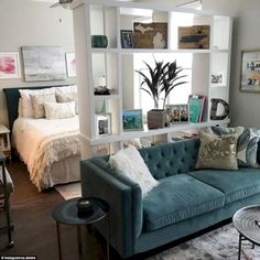 Amazing 45 First Apartment Decorating Ideas on A Budget https://homefulies.com/index.php/2018/05/14/45-first-apartment-decorating-ideas-on-a-budget/