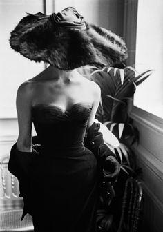 Mark Shaw: Dior, 1954 (Andrew Wilder Gallery).