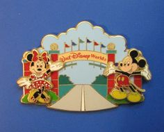 Mickey & Minnie Completer MAGICAL WORLD of TRANSPORTATION LE DISNEY PIN