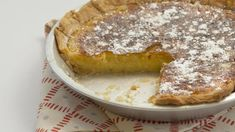 Chess Pie-This old-fashioned pie typically has two distinctive ingredients, cornmeal and vinegar, plus other on-hand ingredients such as sugar,. Pie Recipes, Dessert Recipes, Cooking Recipes, Cookbook Recipes, Easy Desserts, Drink Recipes, Sweet Recipes, Delicious Desserts, Gourmet