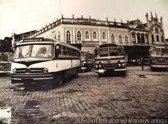 Ônibus da empresa Prefeitura Municipal de Manaus, carro 1, carroceria Mercedes-Benz Monobloco O-321, chassi Mercedes-Benz O-321. Foto na cidade de Manaus-AM por BuSsPoTTeR acervo Manaus antiga, publicada em 30/08/2015 22:34:49.