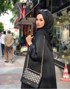 Fashion Style Hijab Ideas Maxi Dresses For 2019 Niqab Fashion, Muslim Fashion, Fashion Outfits, Arab Women, Arab Girls, Trendy Dresses, Maxi Dresses, Muslim Beauty, Abaya Designs