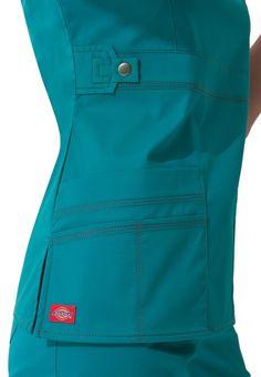 You can never have too many scrubs. I love plain scrubs ( preferably no pattern) Ideal colors are blue, navy blue, black and grey. Cute Nursing Scrubs, Cute Scrubs, Nursing Clothes, Dental Uniforms, Work Uniforms, Nursing Uniforms, Scrubs Outfit, Scrubs Uniform, Medical Scrubs