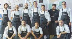 """14 """"Cocineros Revelación"""" cocinando juntos"""