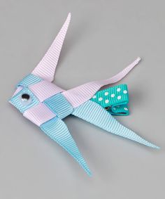 This is a cool bow idea.