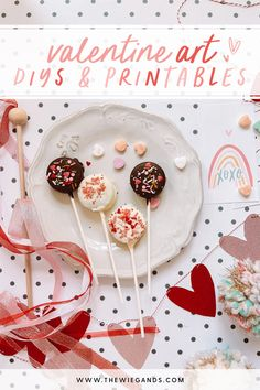 Valentine's Day DIY and printables to take your heart day to the next level! Easy Valentine Crafts, Valentines Art, Valentines Gifts For Him, Thanksgiving Note, Thanksgiving Place Cards, Diy Valentine's Bags, Free Printable Invitations Templates, Printables, Operation Christmas Child