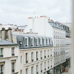 madewell et sézane, july 2015: classic french architecture and apartment buildings in paris. #madewellxsezane