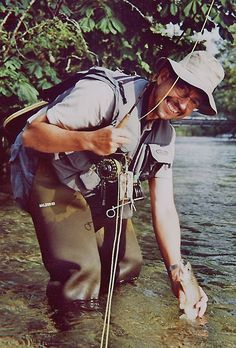 Fliegenfischen an der Mürz #naturpark #muerzeroberland #naturparkmuerzeroberland #fischen #fliegenfischen #muerz #Salmoniden #visitmuerzeroberland #visitsteiermark #visithochsteiermark #visitmuerzeroberland Bradley Mountain, Backpacks, Bags, Fly Fishing, Traveling, Purses, Taschen, Hand Bags