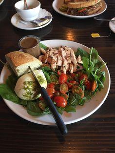 [I ate] a Chicken and Burrata Salad http://ift.tt/2m09X0f #TimBeta